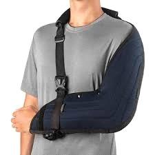 tipóia pós-operatória da cirurgia de artroscopia do ombro